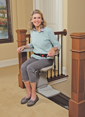 Elan Straight Rail Stairlift Model SRE-3000 Seat Swivel